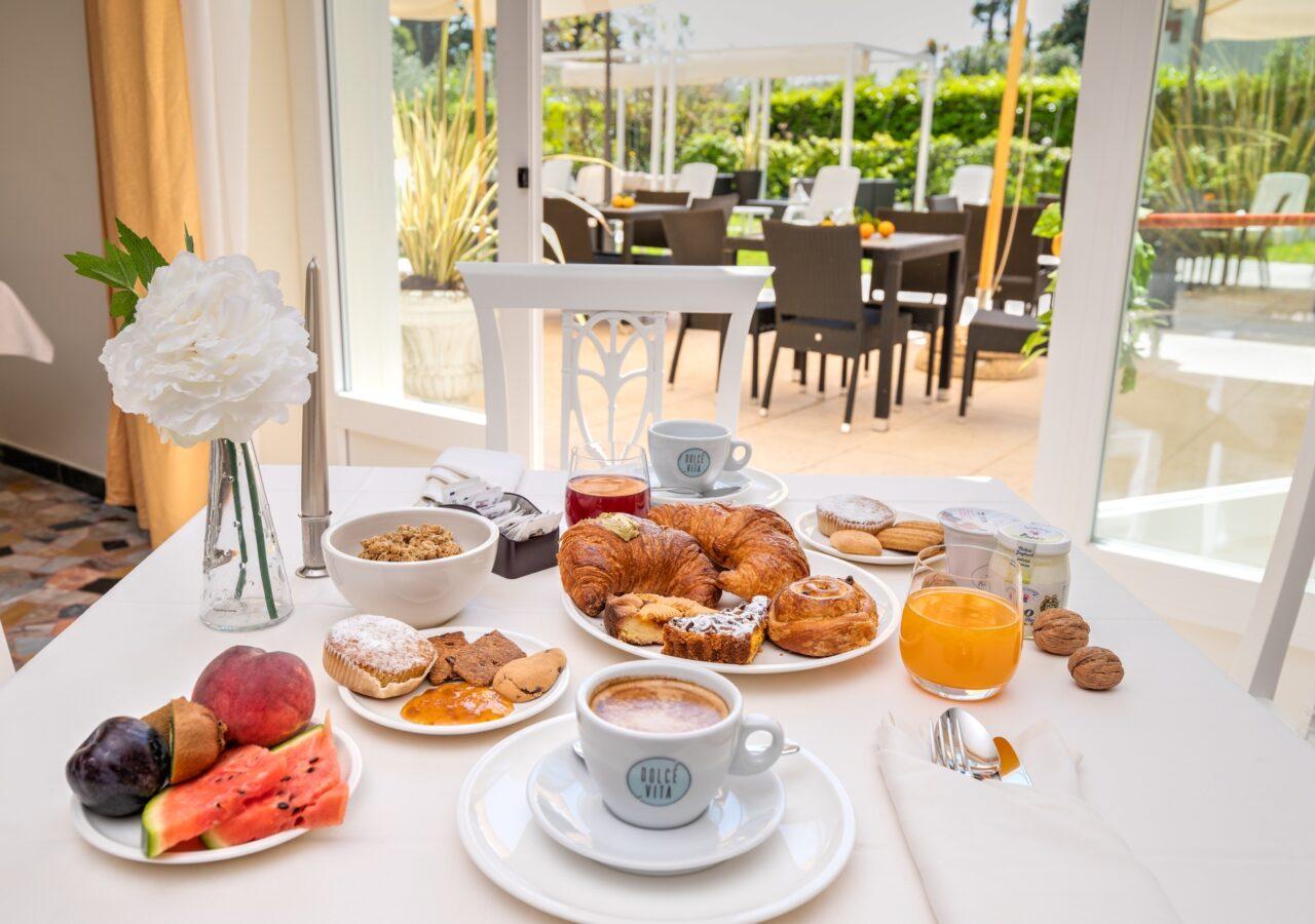 Hotel Galeazzi - Hotel 4 stelle con piscina a Salò   Lago di Garda
